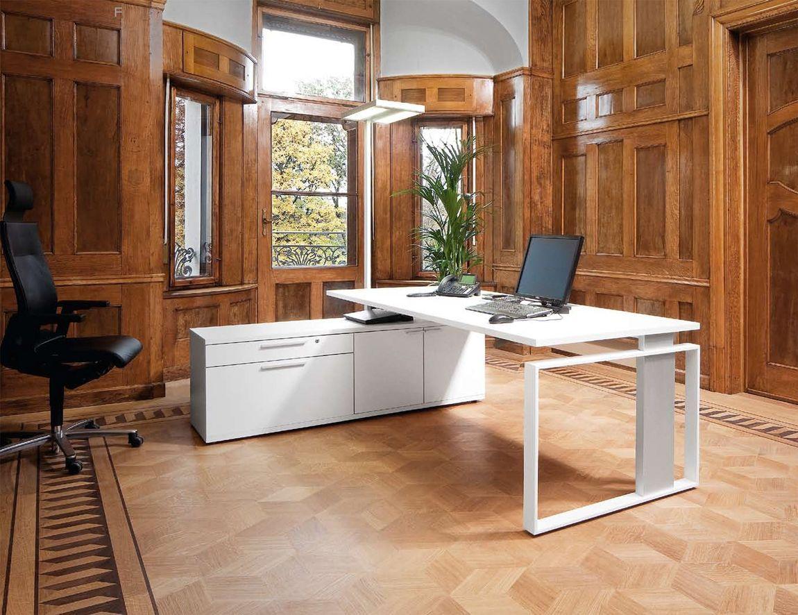modern office desks glass desks executive office furniture. Black Bedroom Furniture Sets. Home Design Ideas
