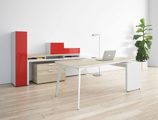 Meeting Oriented Private Office Desks